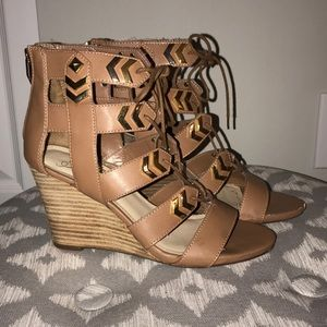 Fergie lace front wedges